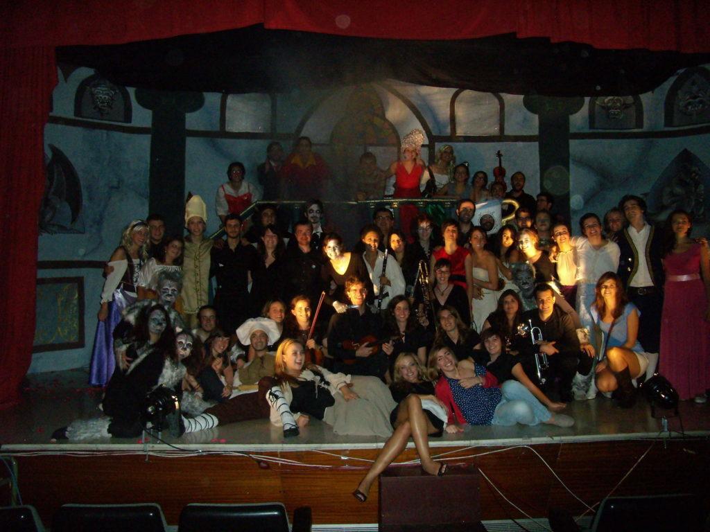 bella-y-bestia-nodamoscredito-NDC-teatro-foto-obra_002